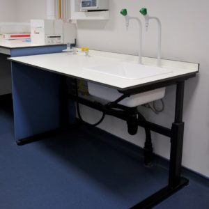 Middlesex University - Laboratory Furniture - 019