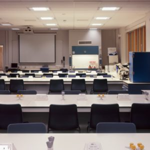 Middlesex University - Laboratory Furniture - 036
