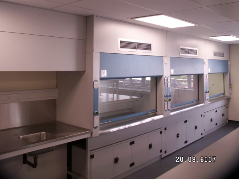 SGS West Thurrock - Laboratory Furniture - 013