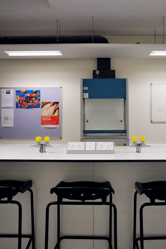 The Elmgreen School - Laboratory Furniture - 005