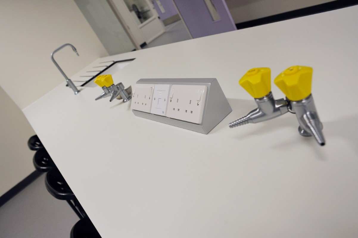 The Elmgreen School - Laboratory Furniture - 006