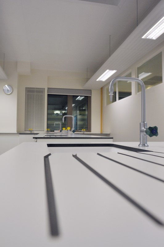 The Elmgreen School - Laboratory Furniture - 007