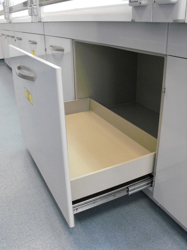 Norgine - Fume Cupboard - 08