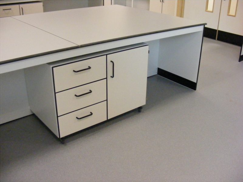 SGS Ellesmere Port - Laboratory Furniture - 012