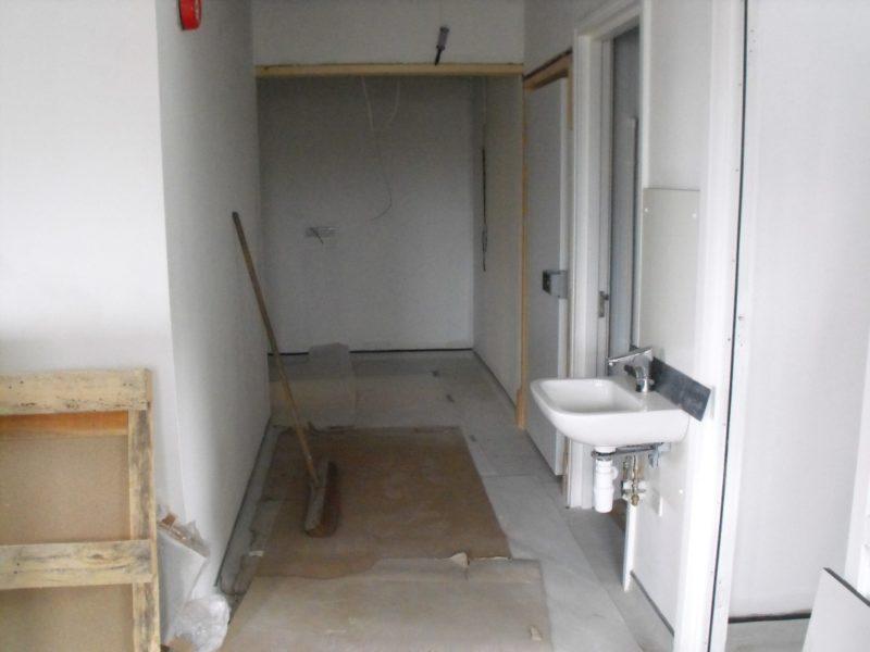 Spire Healthcare Manchester Micro - Laboratory Furniture - 15