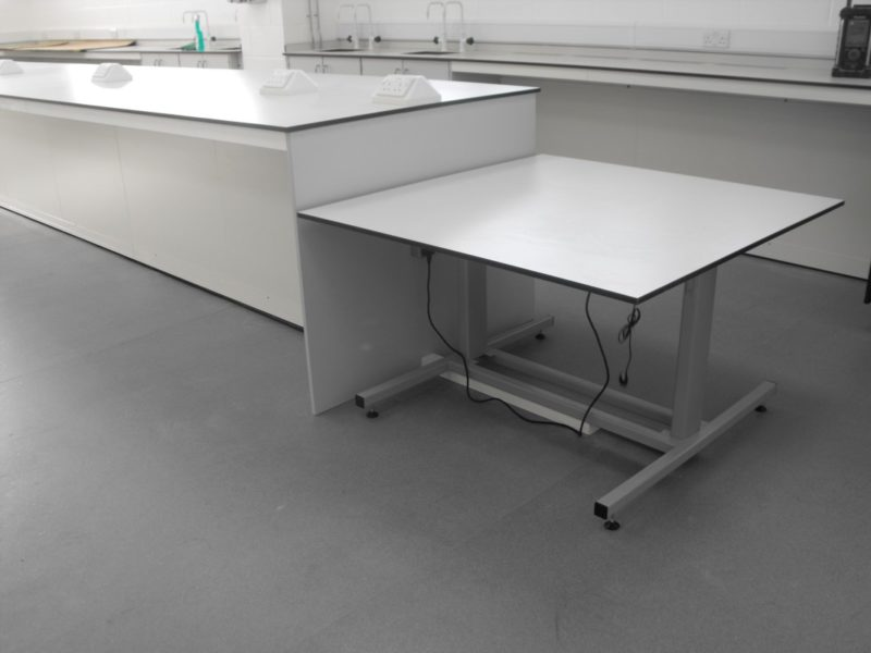 University of Derby T102 and T103 - Laboratory Furniture - 09