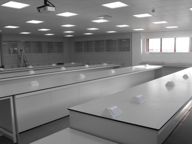 University of Derby T102 and T103 - Laboratory Furniture - 10