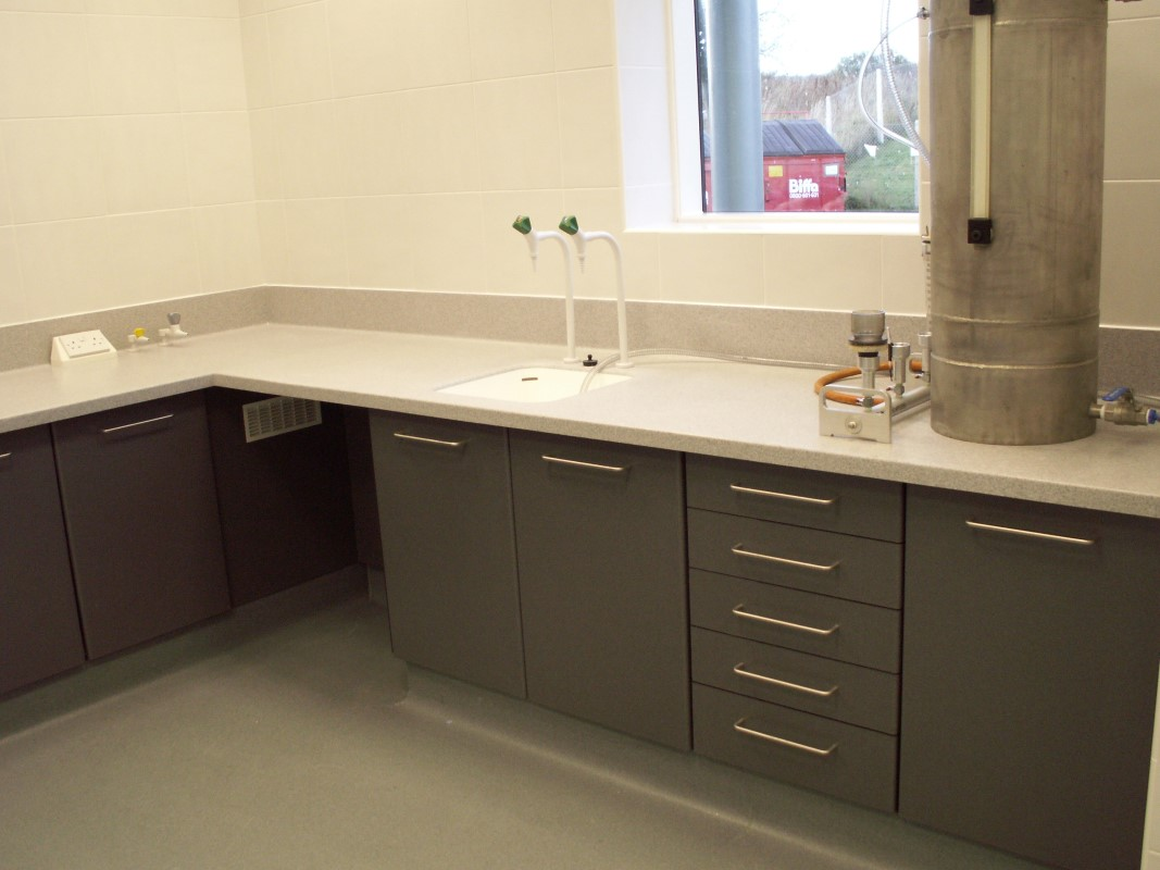 AES Horsley Water Treatment Works - Laboratory Furniture - 08