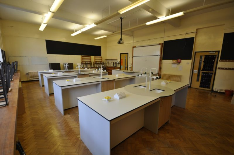 Helsby High - Science Lab - 10