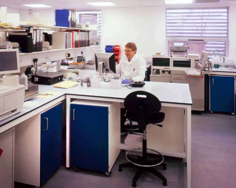 Iab-Lab-Completed-Spire-Healthcare-Elstree-Phase1-Laboratory-Refurbishment-03