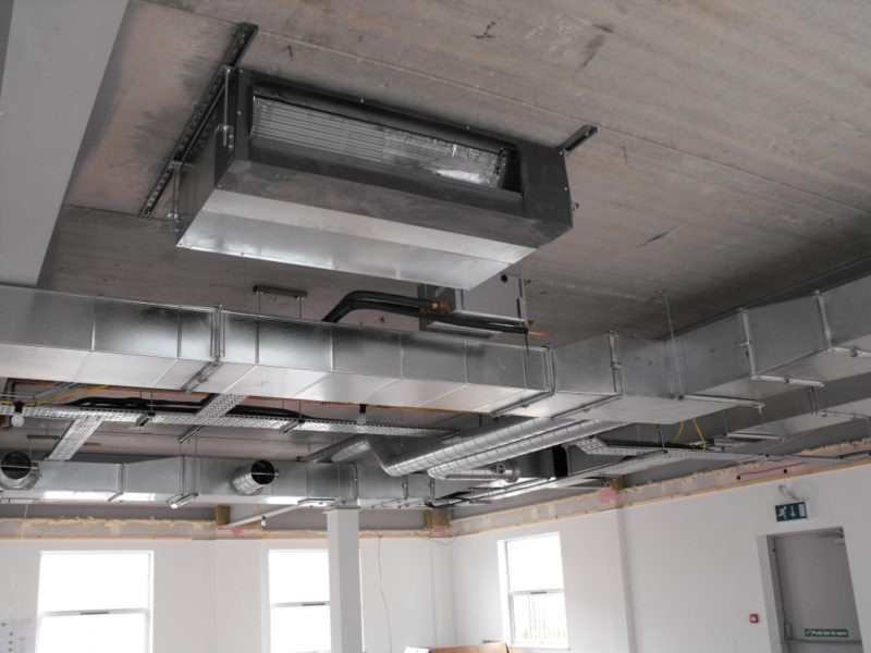 ab-Lab-Project-Spire-Healthcare-Elstree-Phase1-Laboratory-Furniture- Ceiling Void Air Conditioning Unit