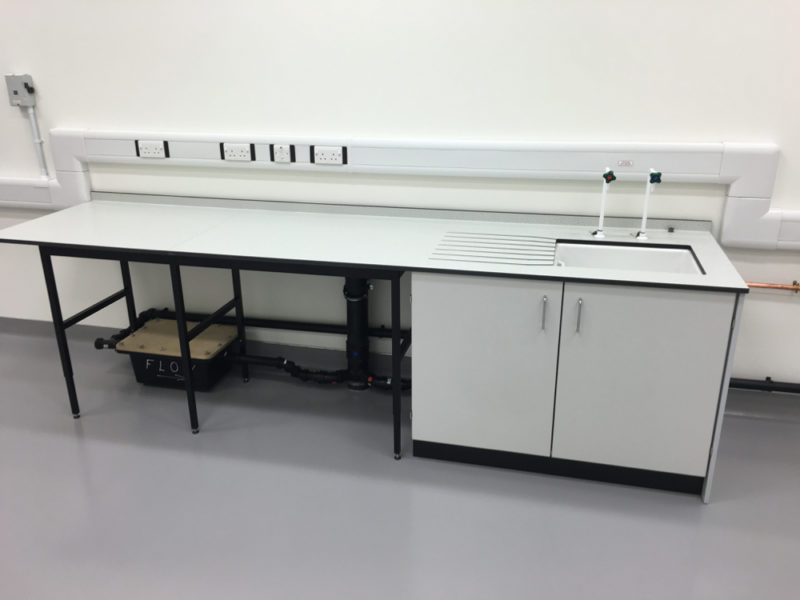 C5008 - Rolls-Royce Controls and Data Services - ESD Worktops Laboratory Furniture - 018_1000x750