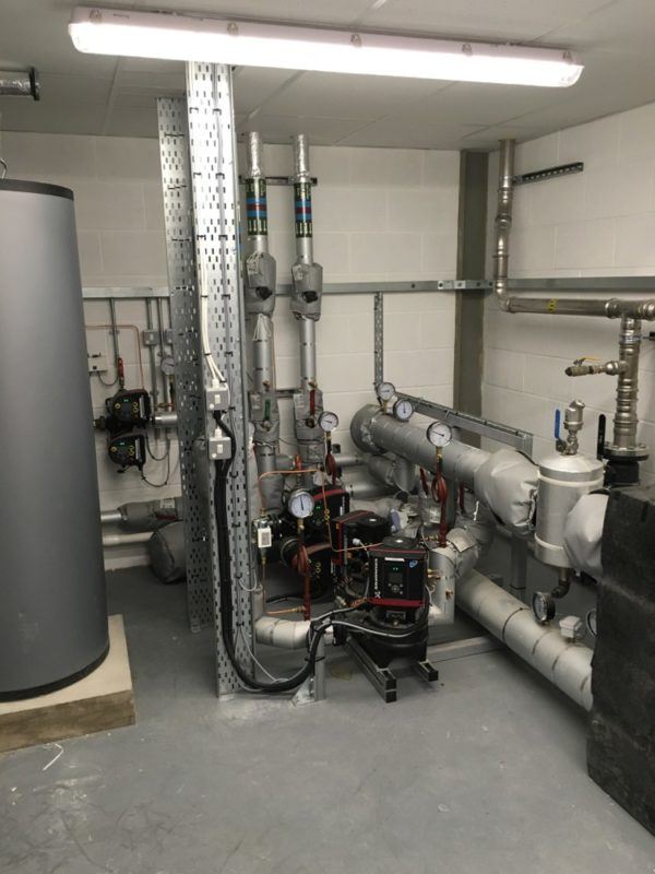 C5005 - Conwy - North Wales - Laboratory Refurbishment - Lab Pipes Gas Pressure Gages
