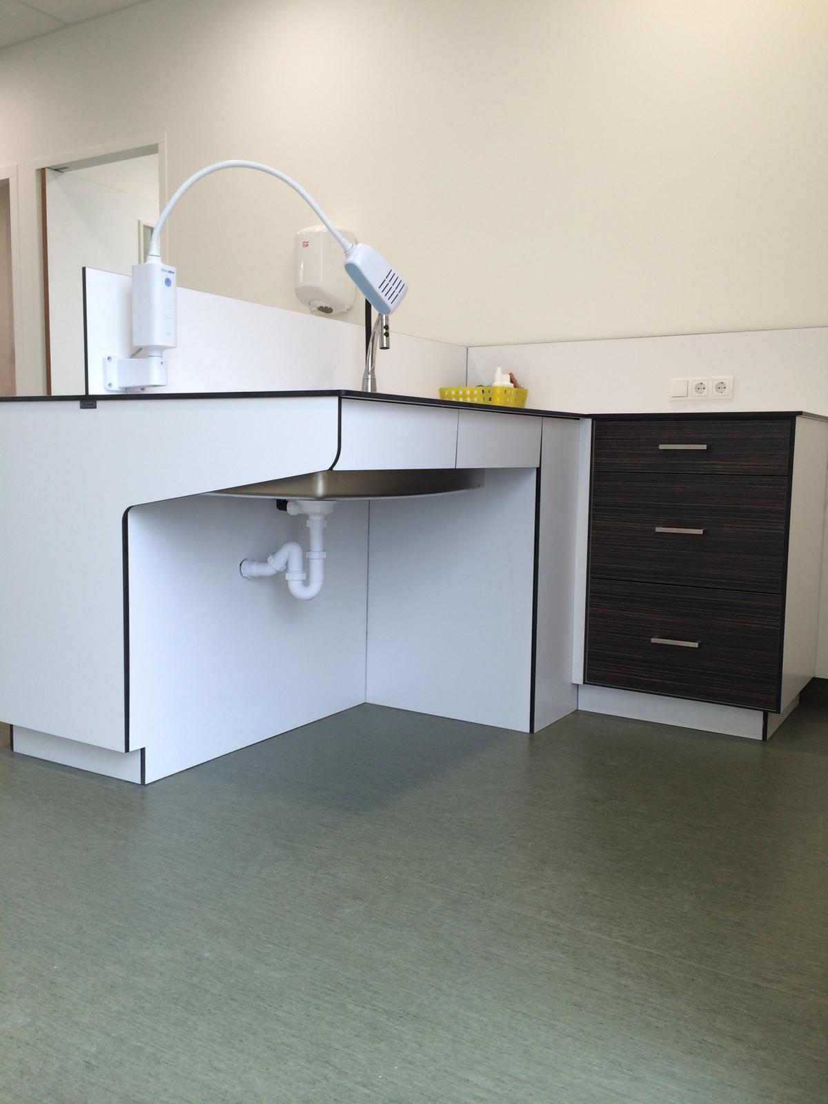 Under Bench Cabinets - iab Lab