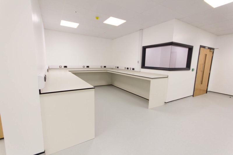 C5147 - Alere Abingdon - Unit 21 - Warehouse Laboratory Convertion Refurbishment - Plug Sockets Door Work Bench