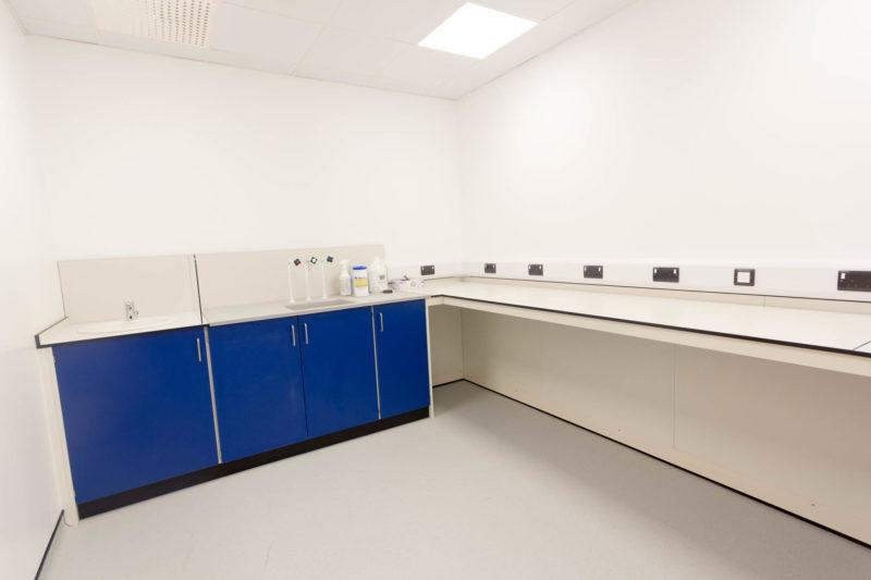 C5147 - Alere Abingdon - Unit 21 - Warehouse Laboratory Convertion Refurbishment - Cabinets Sockets Lab Bench