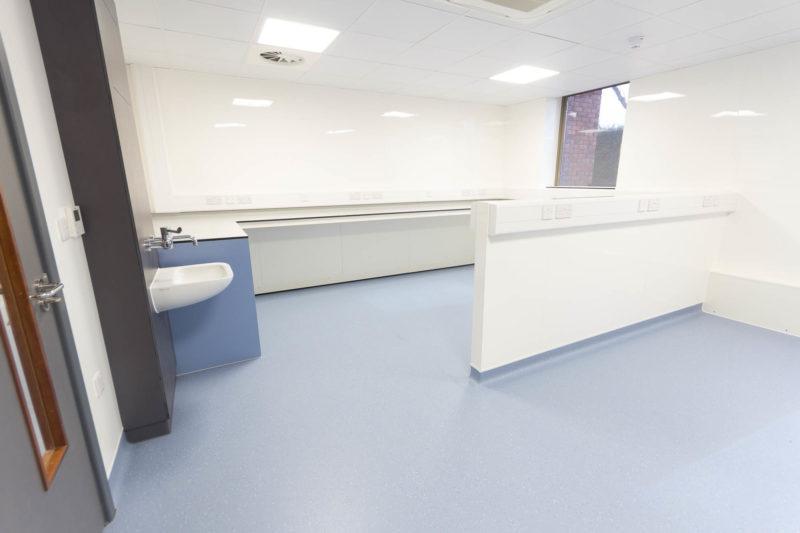 C5208 - Spire Parkway 1 - lab Workspace Sink