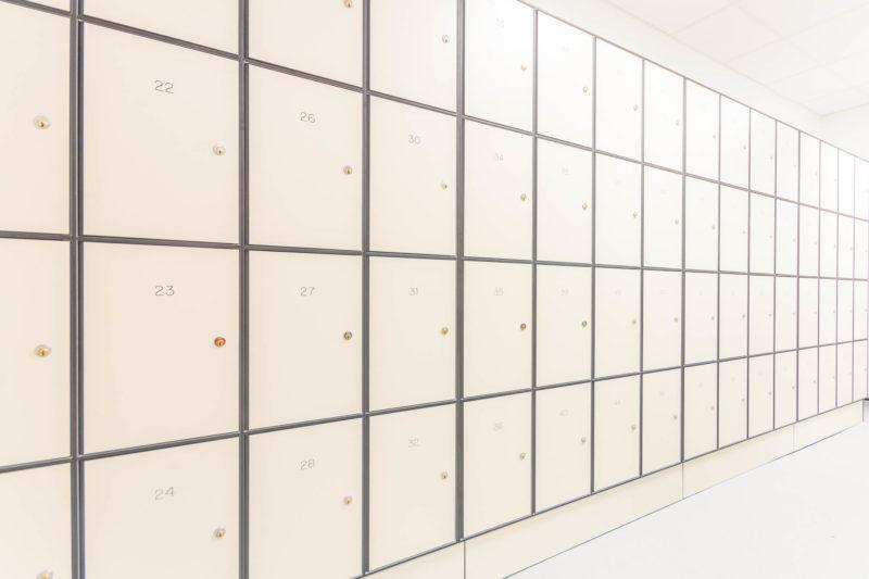 C5185 - AMEC Foster Wheeler - Solid Grade Laminate Locker Room - Lockers Locker Room