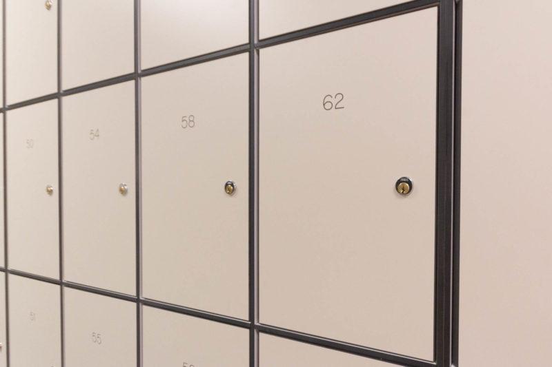 C5185 - AMEC Foster Wheeler - Solid Grade Laminate Locker Room - Lockers
